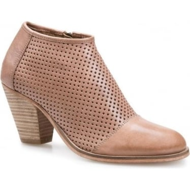Womens Stagecoach Boot in Taupe