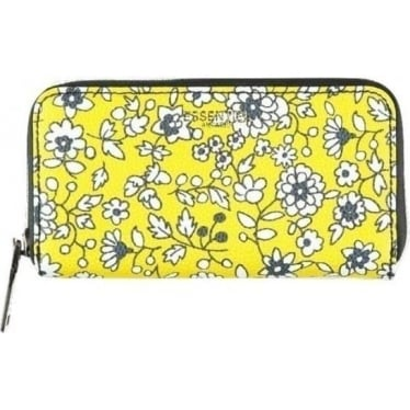 Womens Nistri Wallet in Chiquita Yellow